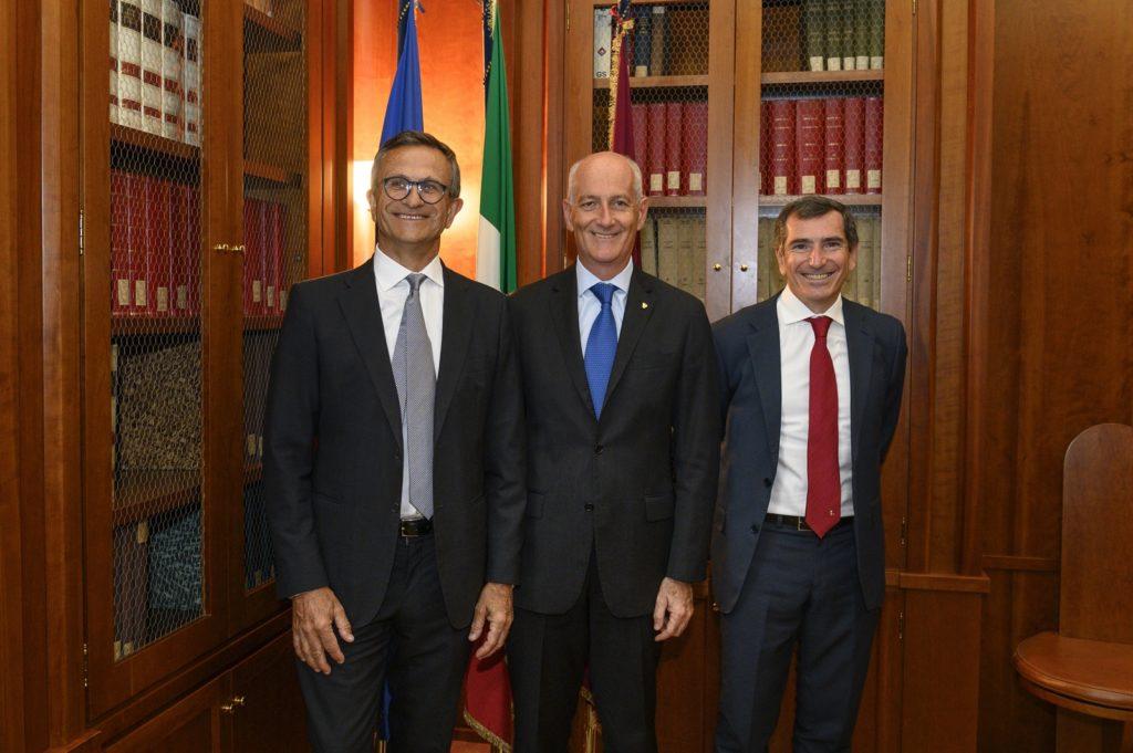D. Maver, Presidente Jaguar Land Rover Italia; F. Gabrielli, Capo della Polizia; M. Santucci, Direttore Generale Jaguar Land Rover Italia