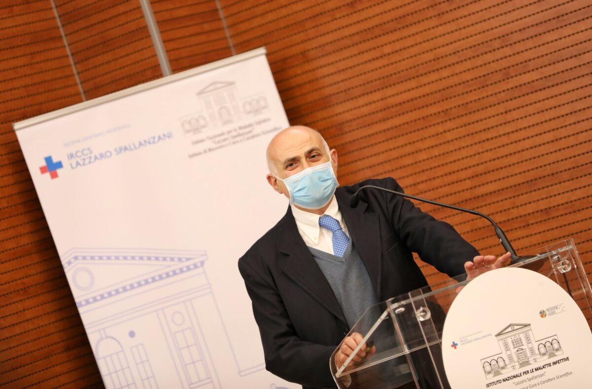 Il direttore scientifico dell Spallanzani, Giuseppe Ippolito, durante la presentazione dei risultati della fase 1 di sperimentazione del vaccino ReiThera GRAd-CoV2 presso l'ospedale ''Lazzaro Spallanzani'', Roma 5 gennaio 2021. ANSA/STEFANIA CASELLATO