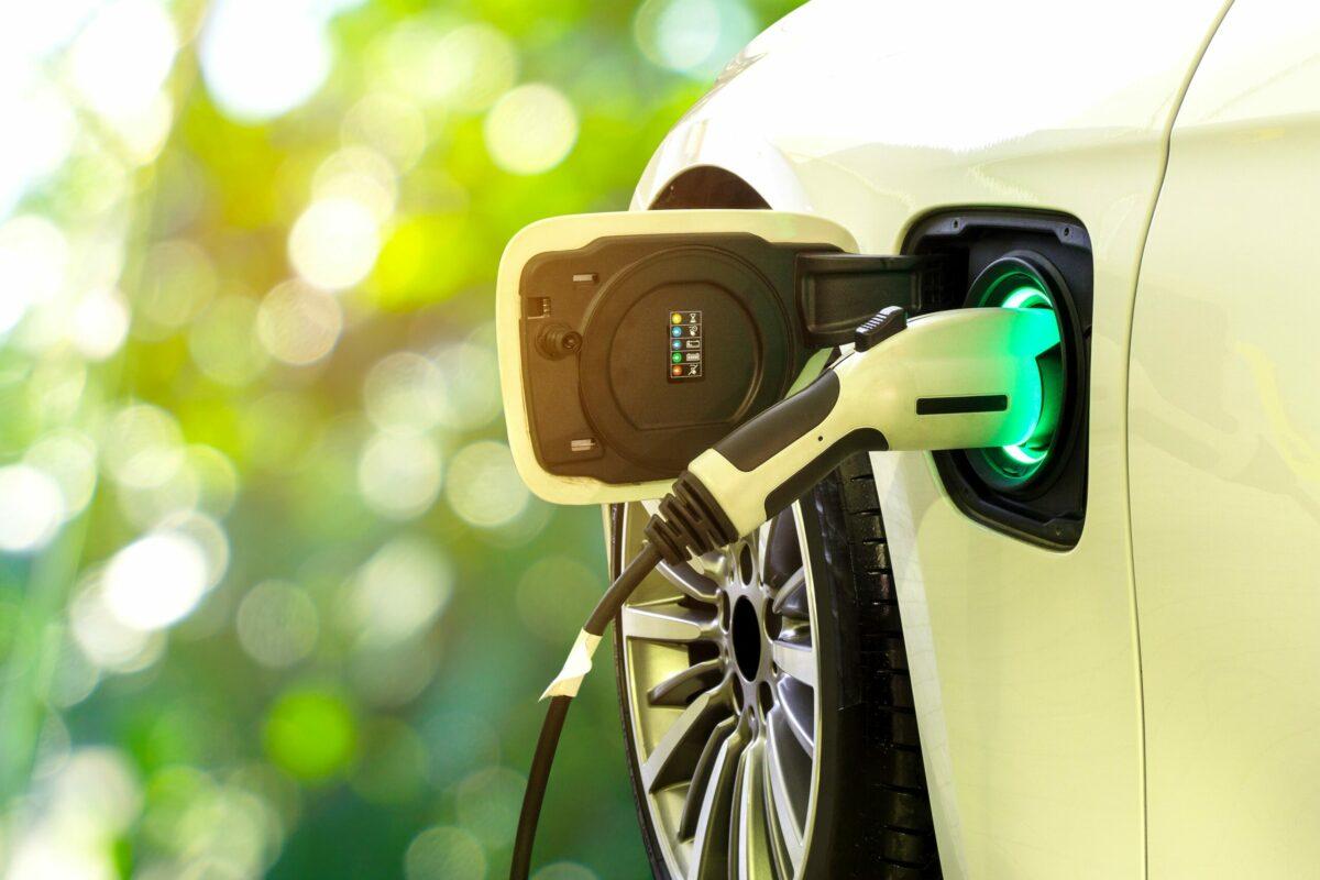 auto elettriche colonnine ricarica