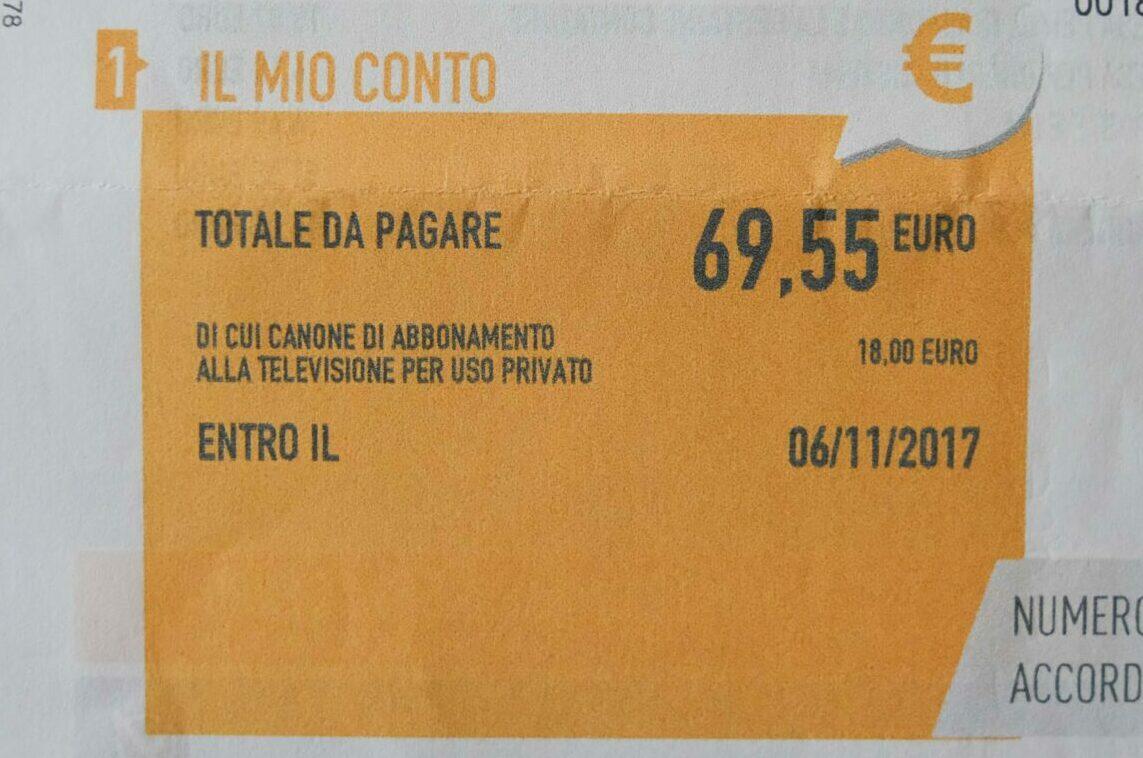 Canone Rai in una bolletta della forniutura elettrica, Roma, 5 gennaio 2018.ANSA/ALESSANDRO DI MEO