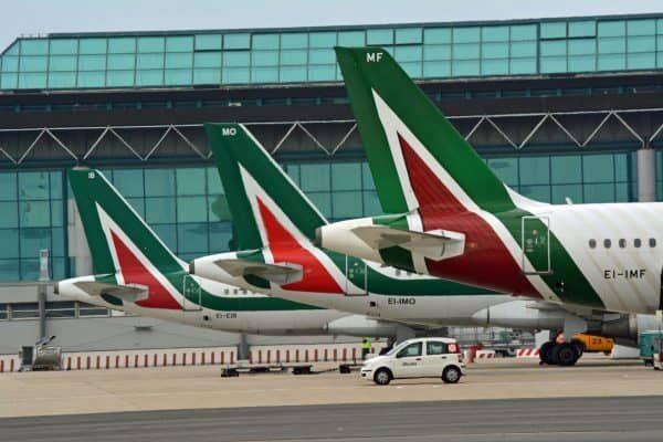 Alcuni aerei della compagnia Alitalia all'aeroporto Leonardo Da Vinci di Fiumicino (Roma), 3 gennaio 2018. ANSA/TELENEWS