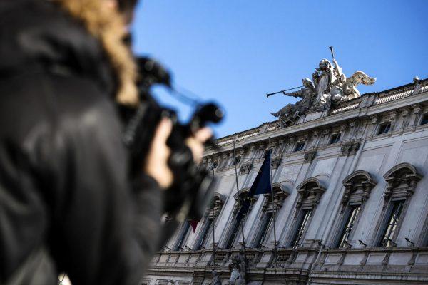 Il palazzo della Consulta, durante la Camera di consiglio della Corte costituzionale sul referendum elettorale voluto dalla Lega, Roma, 15 gennaio 2020. ANSA/ANGELO CARCONI