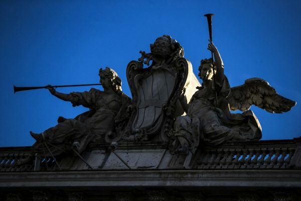 Il palazzo della Consulta, durante l'attesa per il pronunciamento della Corte Costituzionale sull'ammissibilità del referendum promosso dalla Lega sulla legge elettorale, Roma, 16 gennaio 2020. ANSA/ANGELO CARCONI