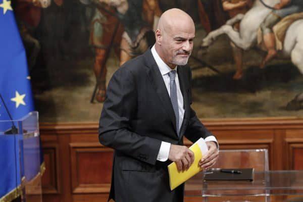 L'amministratore delegato Eni Claudio Descalzi durante la cerimonia di firma del memorandum Eni-Fca a Palazzo Chigi. Roma, 21 novembre 2017. ANSA/GIUSEPPE LAMI
