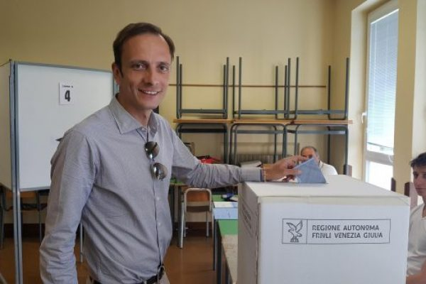 epa06700483 A handout photo made available by Massimiliano Fedriga's Press Office shows Centre-right candidate Massimiliano Fedriga voting in the regional elections of Friuli-Venezia Giulia at a polling station in Trieste, Italy, 29 April 2018. Voters in the Friuli-Venezia region are called to elect a regional government. EPA/MASSIMILIANO FEDRIGA PRESS OFFICE HANDOUT HANDOUT EDITORIAL USE ONLY/NO SALES