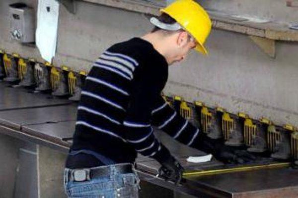 Operaio_lavoro_fabbrica_fg.jpg