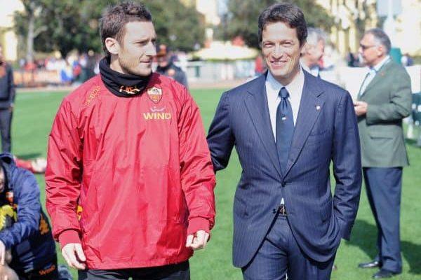 AS Roma's Francesco Totti (L) and the builder Luca Parnasi at ESPN Wide World of Sport Complex in Orlando, USA, 30 December 2012. ANSA/ETTORE FERRARI
