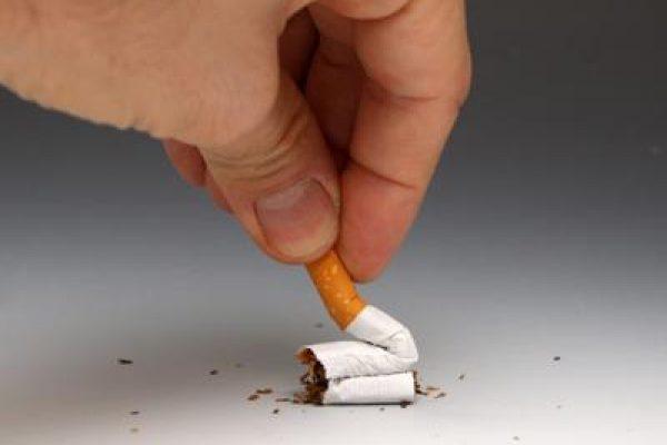 Sigaretta_mano_Fg.jpg