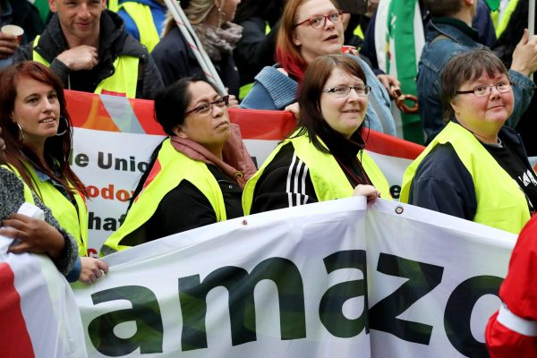 amazon sindacati lavoratori proteste