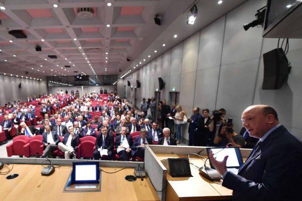 Vincenzo Boccia presidente Confindustria durante il convegno ?Il sistema industriale per i corridoi europei? presso Unione Industriale Torino, 12 settembre 2018 ANSA/ ALESSANDRO DI MARCO