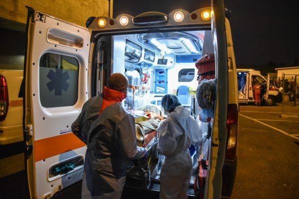 covid coronavirus politica sanità ospedali mascherine salute