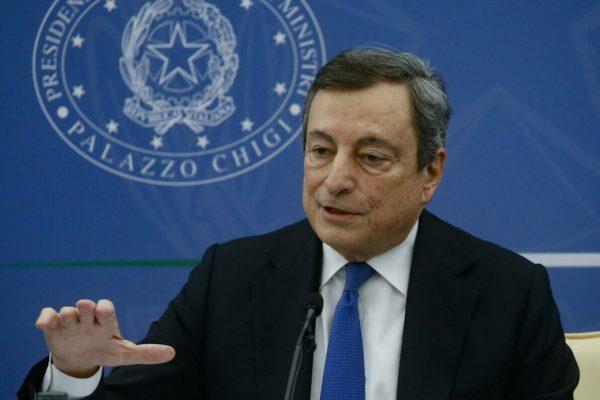 Il presidente del consiglio, Mario Draghi, durante la conferenza stampa per illustrare il decreto 'Imprese, Lavoro, Giovani e Salute', Roma, 20 maggio 2021. ANSA/FABIO FRUSTACI