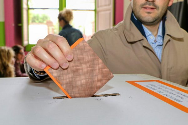 European,Elections,2019.,A,Man,Inserts,The,Inserts,The,Voting