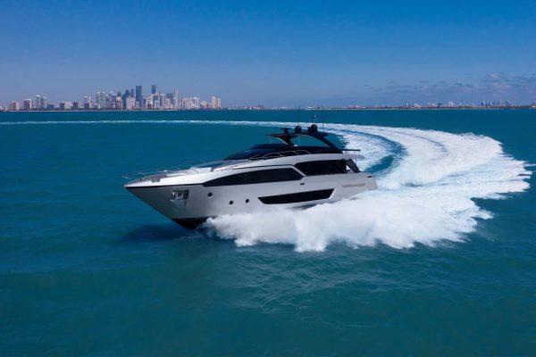 Uno yacht Ferretti