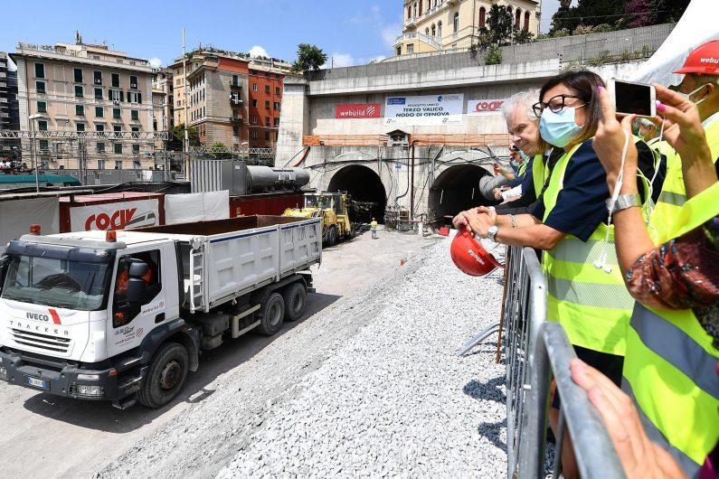 ferrovie de micheli ifnrastrutture trasporto su ferro treni terzo valico salini