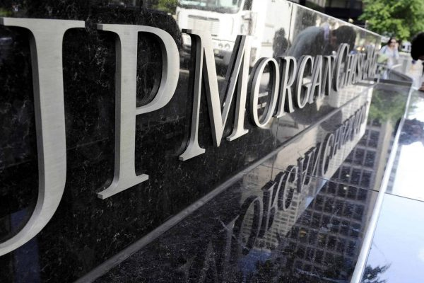 A file photo dated 11 May 2012 showing a view of a sign at a JPMorgan Chase building in New York, New York, USA. JPMorgan Chase on 13 January 2017 reported 4th quarter net profits for 2016 of 6.7 billion USD or 1.71 USD per share, and a record full year 2016 net income of 24.7 billion USD, or 6.19 USD per share. ANSA/JUSTIN LANE