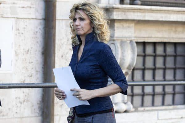 Il Ministro per il Sud Barbara Lezzi, entra a Palazzo Chigi per il Consiglio dei Ministri 27 giugno 2018 a RomaANSA/MASSIMO PERCOSSI