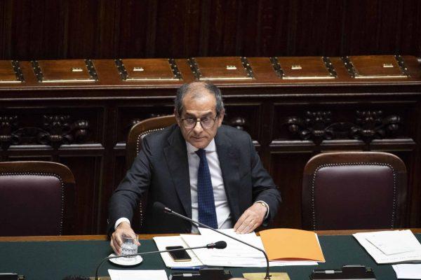 Il ministro dell'Economia e delle Finanze, Giovanni Tria, nel corso del question time a Montecitorio, Roma, 12 giugno 2019. ANSA/MAURIZIO BRAMBATTI