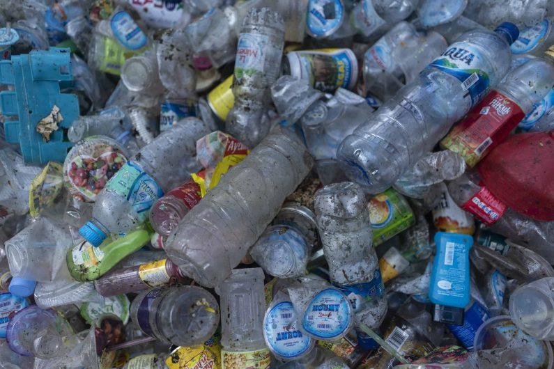 plastica rifiuti malesia greenpeace