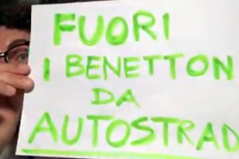 Il fermo immagine mostra Danilo Toninelli in un video pubblicato sul suo profilo Facebook. FACEBOOK DANILO TONINELLI +++ ATTENZIONE LA FOTO NON PUO' ESSERE PUBBLICATA O RIPRODOTTA SENZA L'AUTORIZZAZIONE DELLA FONTE DI ORIGINE CUI SI RINVIA +++ ++ HO - NO SALES, EDITORIAL USE ONLY ++