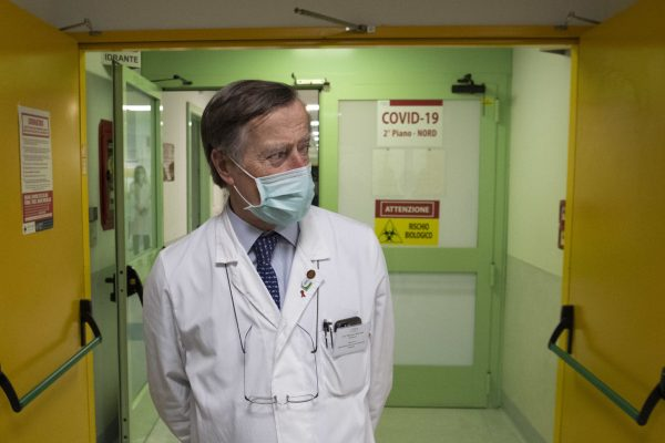 Prof. Massimo Andreoni, director of infectious diseases of the Tor Vergata hospital, during the guided visit to the new Covid-19 ward in Rome, March 27, 2020. MAURIZIO BRAMBATTI/ANSA