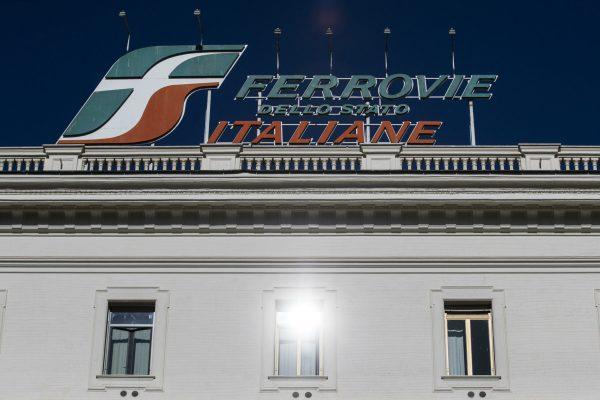 la sede di Ferrovie dello Stato (Fs) durante lÕincontro tra i sindacati di categoria con i vertici di Fs in seguito all'incidente ferroviario del treno Frecciarossa deragliato ieri in provincia di Lodi, Roma, 07 febbraio 2020. ANSA/ANGELO CARCONI