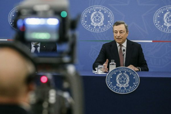 Prime Minister, Mario Draghi during a press conference at the end of a Cabinet meeting that addressed rules for the use of Green Pass against the spread of Covid-19, Rome 2 September, 2021. ANSA/FABIO FRUSTACI/POOL