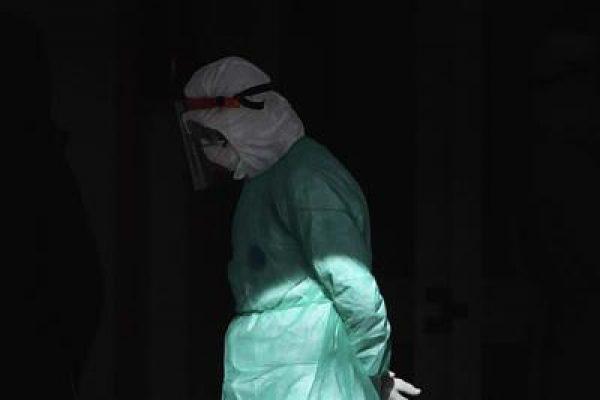 medico_triste_coronavirus_fg.jpg