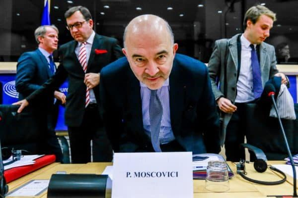 epaselect epa07193007 Pierre Moscovici, the European Commissioner for Economic and Financial Affairs and Taxation speaks during a Special committee on financial crimes, tax evasion and tax avoidance at the European Parliament in Brussels, Belgium, 27 November 2018. EPA/STEPHANIE LECOCQ