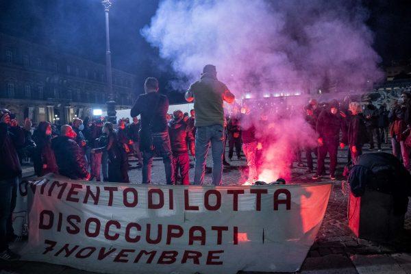 napoli coronavirus disoccupazione proteste