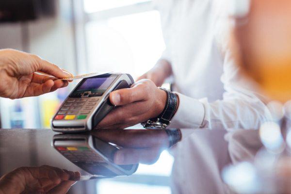 pagamenti, pagamenti digitali, contactless, cashless, carta di credito, bancomat, pos