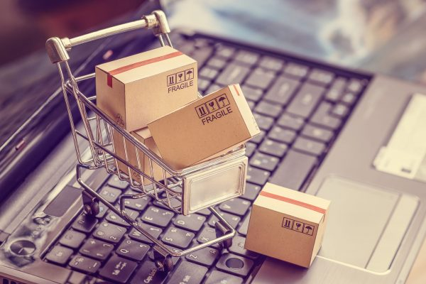 Online,Shopping,/,E-commerce,And,Customer,Experience,Concept,:,Boxes