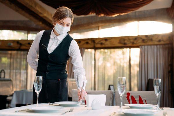cameriere, ristoranti, imprese, riaperture, tavola, pranzo, cena,