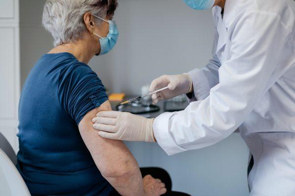 Covid vaccini anziani