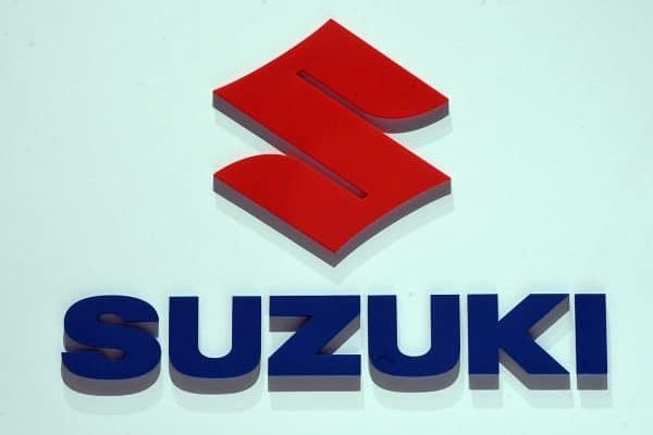 07 March 2018, Switzerland, Geneva: The logo of carmaker Suzuki is displayed during the 2nd Press Day at the 2018 Geneva Motor Show. The Geneva Motor Show runs from 8 March to 18 March 2018. Photo: Uli Deck/dpa