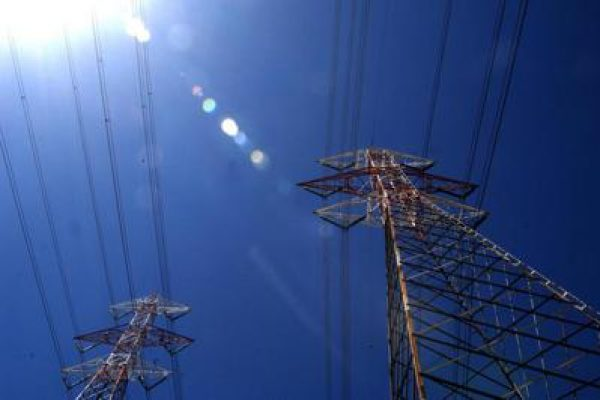 tralicci_elettricita_pali_alta_tensione_energia_elettrica_fg.jpeg