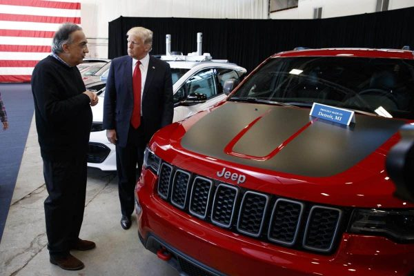 President Donald Trump talks with Fiat Chrysler CEO Sergio Marchionne during a tour at the American Center of Mobility, Wednesday, March 15, 2017, in Ypsilanti Township, Mich. (ANSA/AP Photo/Evan Vucci) [CopyrightNotice: Copyright 2017 The Associated Press. All rights reserved.]